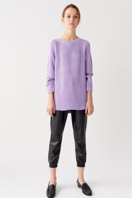 looks con pantalon engomado y sweater nare otoño invierno 2020