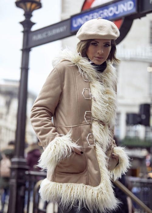 saco gamuzado con apliques de piel Vars otoño invierno 2020