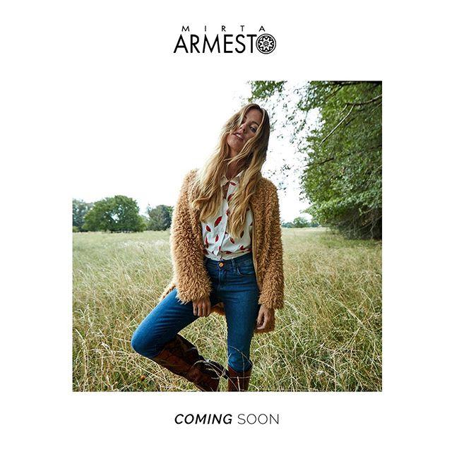 saco piel mono y camisas mujer Mirta Armesto otoño invierno 2020