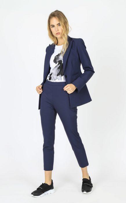 traje azul mujer invierno 2020 Paula Cahen D Anvers