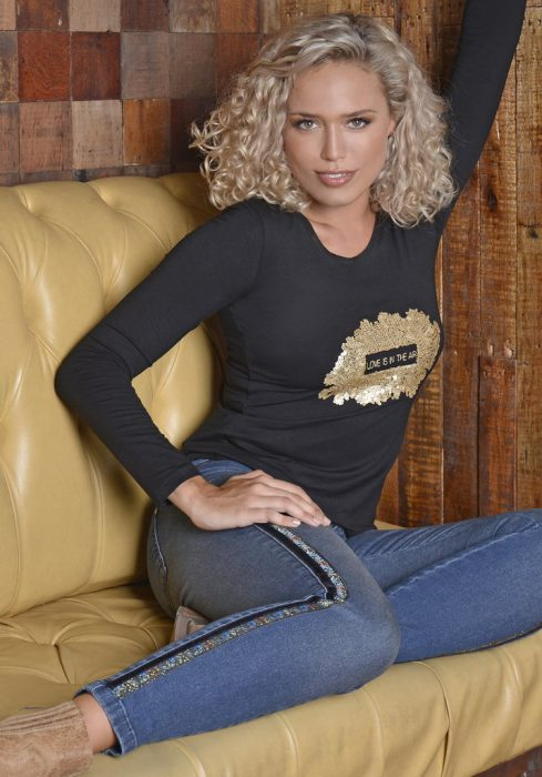jeans chupin con franjas laterales Moravia Jeans invierno 2020