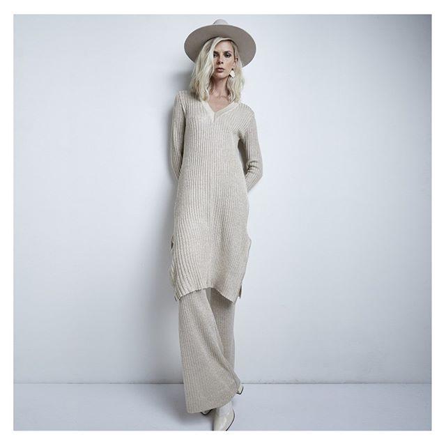 sweater largo y pantalon Agostina Bianchi tejidos MUJER invierno 2020