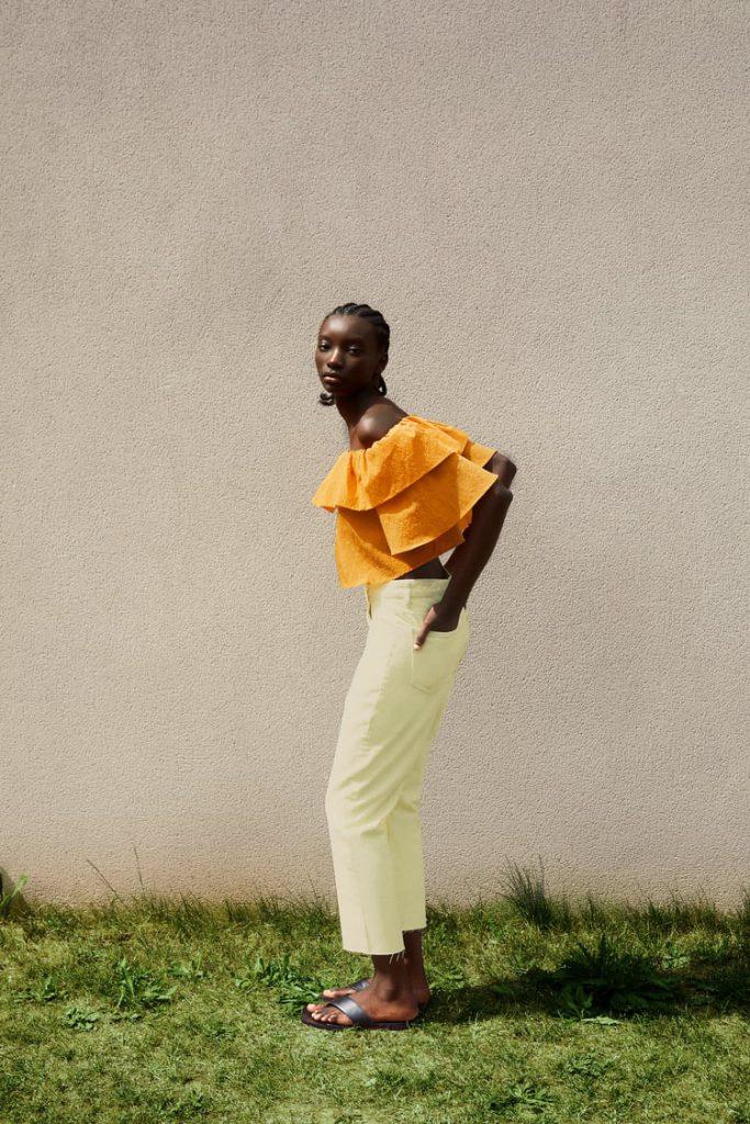 azafran y amarillo claro combinacion colores de moda verano 2021