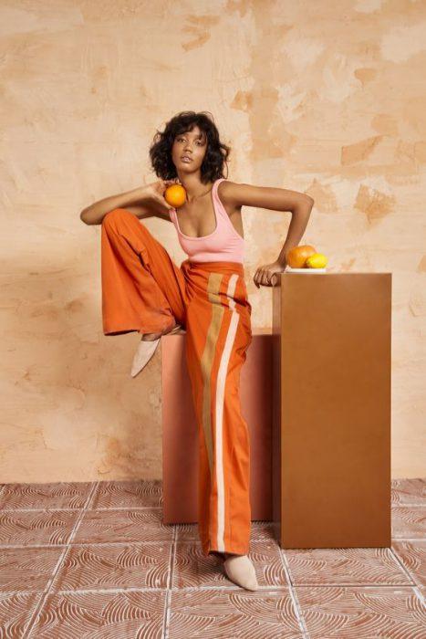 rosa y naranja combinacion colores de moda verano 2021