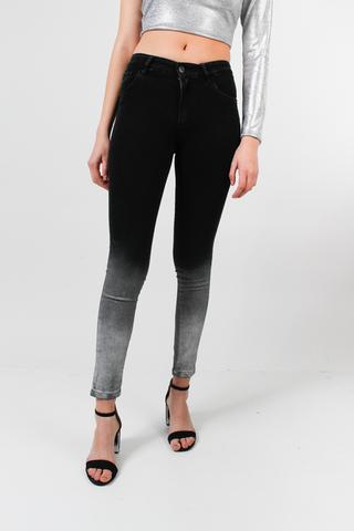 jeans negro con degrade chupin af jeans verano 2021