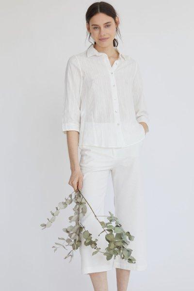 pantalon blanco con camisa blanca mujer verano 2021 estancias chiripa