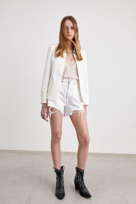 short blanco con blazer St Marie verano 2021