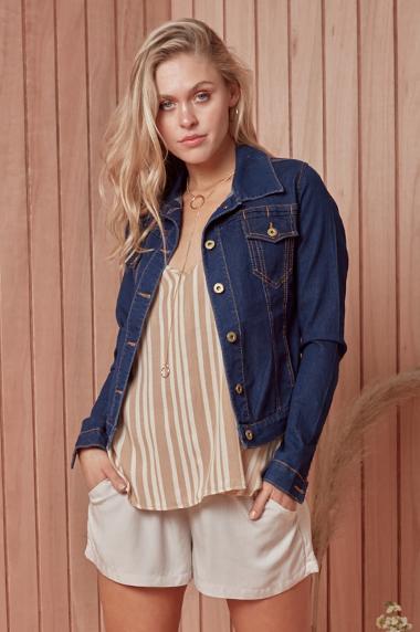 look en short y campera de jeans primavera verano 2021 Peuque jeans