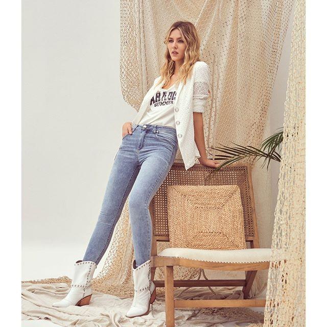 look jeans con blazer casual vesna verano 2021