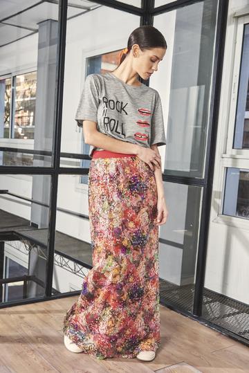 look urbano con falda larga Benito Fernandez verano 2021