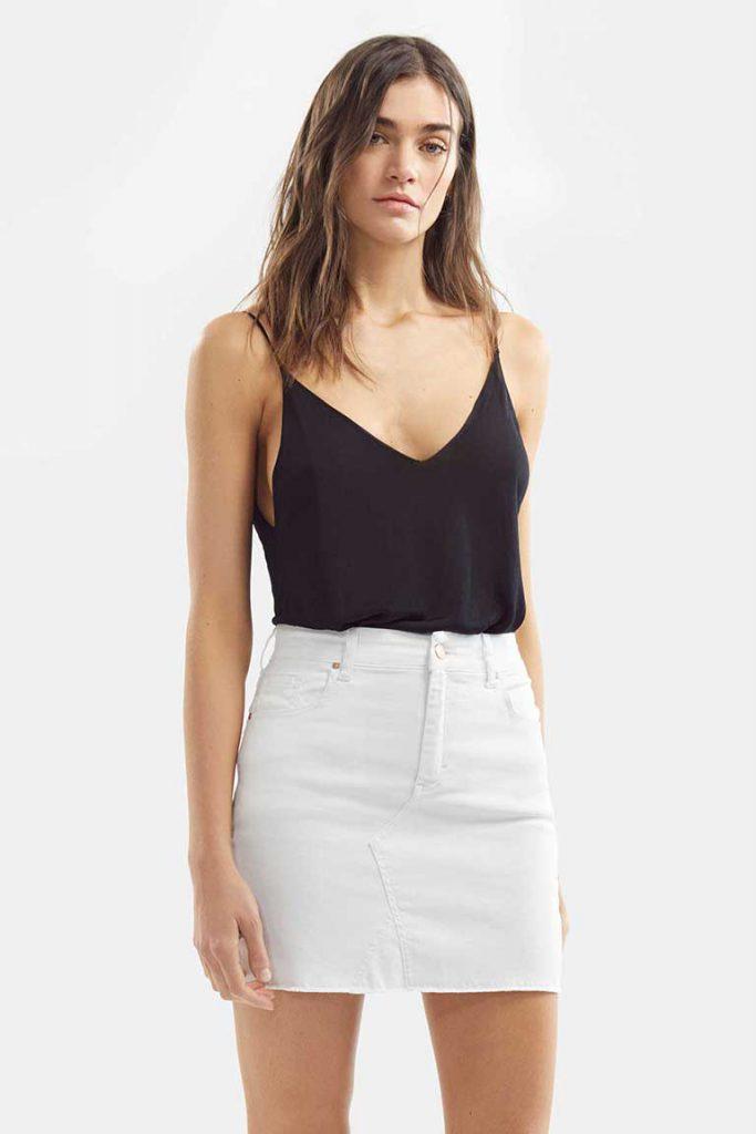 minifalda blanca Adicta jeans verano 2021