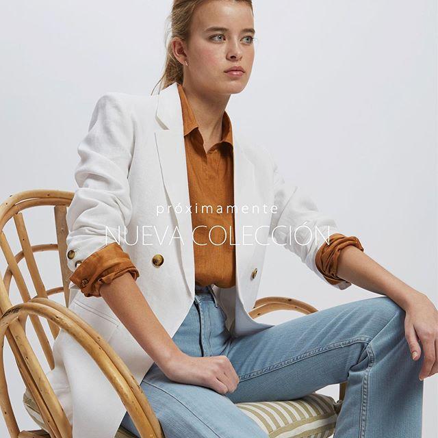 outfit con blazer y jeans mujer Awada verano 2021