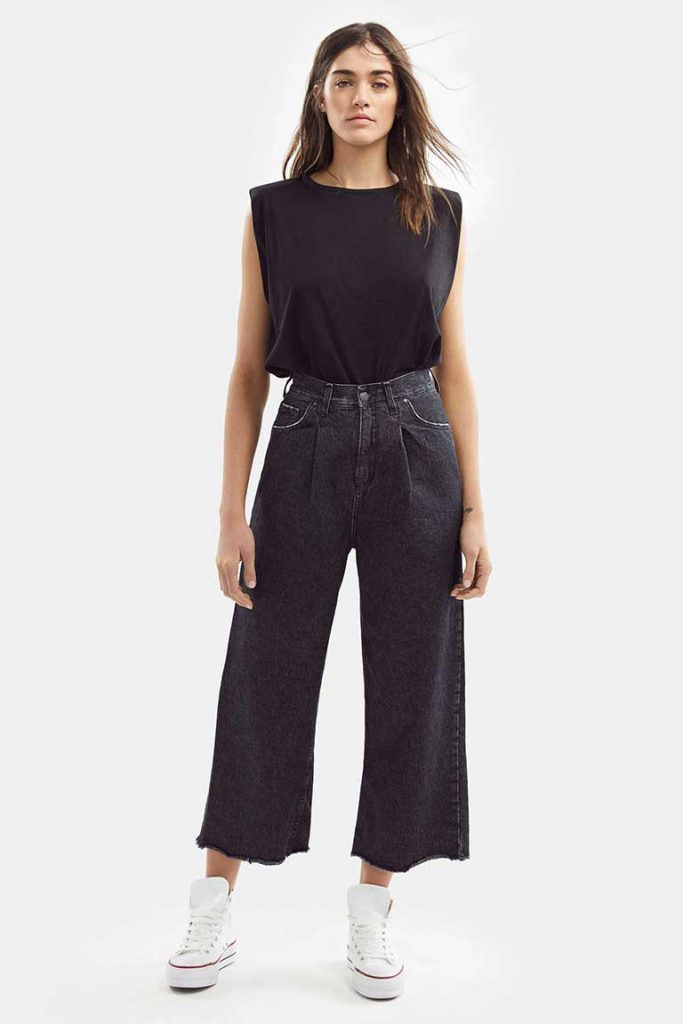 pantacourt negro Adicta jeans verano 2021
