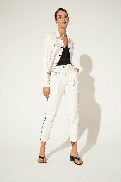 pantalones blanco look Clara Ibarguren verano 2021