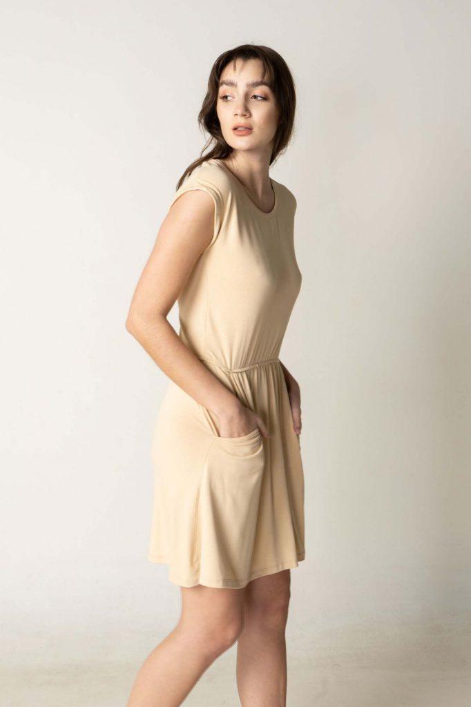 vestido corto con bolsillos la cofradia verano 2021