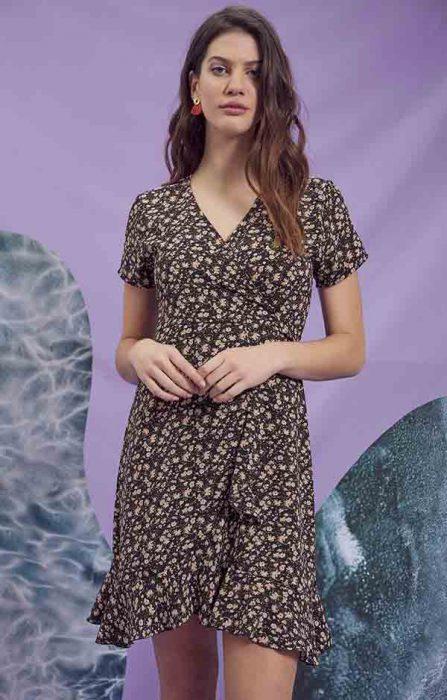vestido cruzado estampado juvenil verano 2021 Rimmel