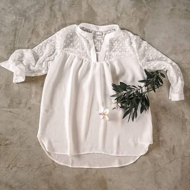 blusa con camesu de tul Las taguas verano 2021