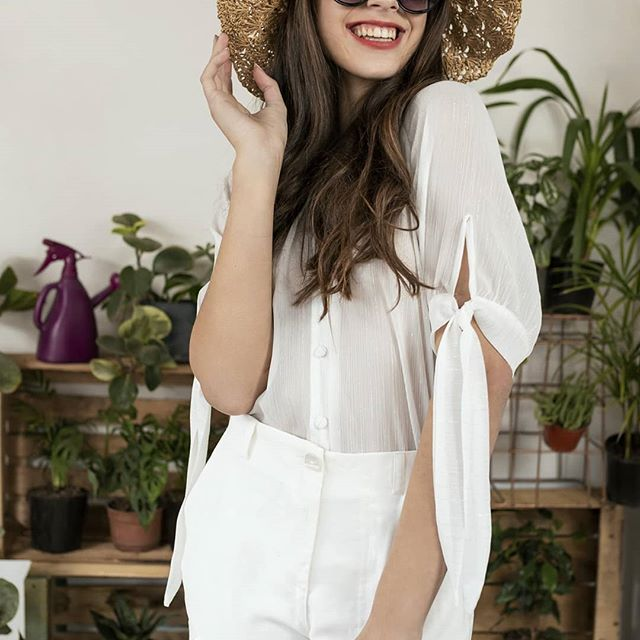 look total white Eva Miller verano 2021