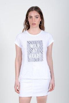 minifalda denim blanca Zhoue verano 2021