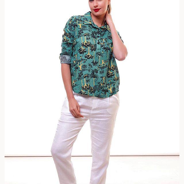 pantalones de gabardina AG Store Looks para mujer verano 2021