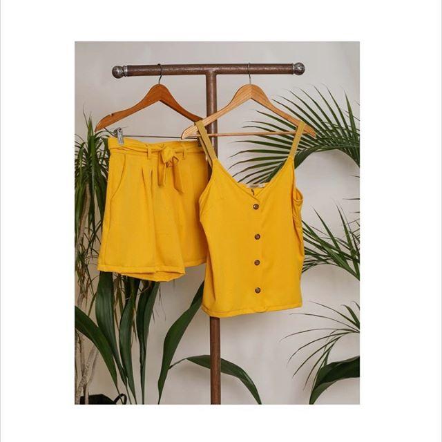 musculosa y bermuda amarilla Cenizas Coleccion verano 2021