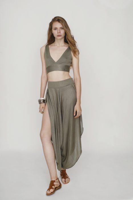 top y falda de lino Agostina Bianchi verano 2021
