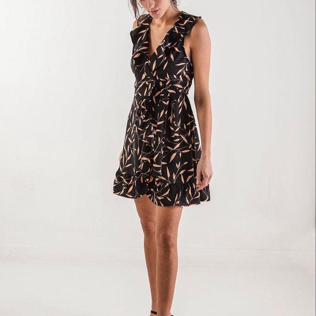vestido fibrana estampada escote en v Wings Indumentaria para mujer verano 2021