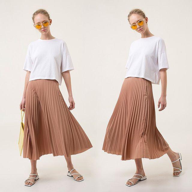 look juvenil con falda plisada Las pepas verano 2021