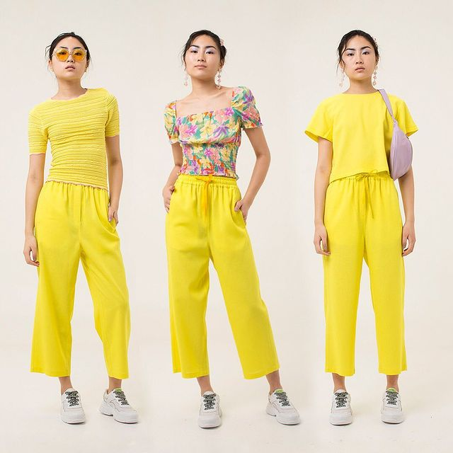 outfit juvenil con pantalon pijama amarillo Las pepas verano 2021