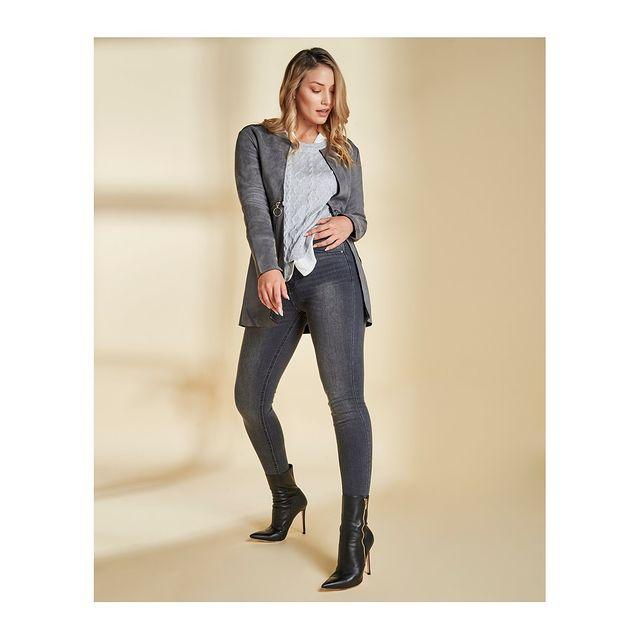 chupin y cardigan tejido vertu jeans invierno 2021