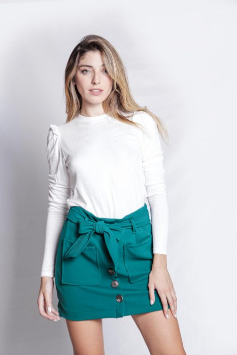 minifalda y remera mangas largas invierno 2021 Love This