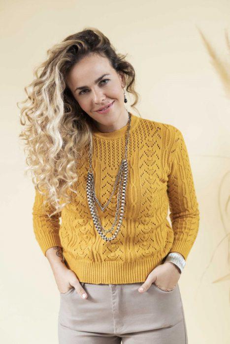 sweater escote calado tejido Eva Miller invierno 2021
