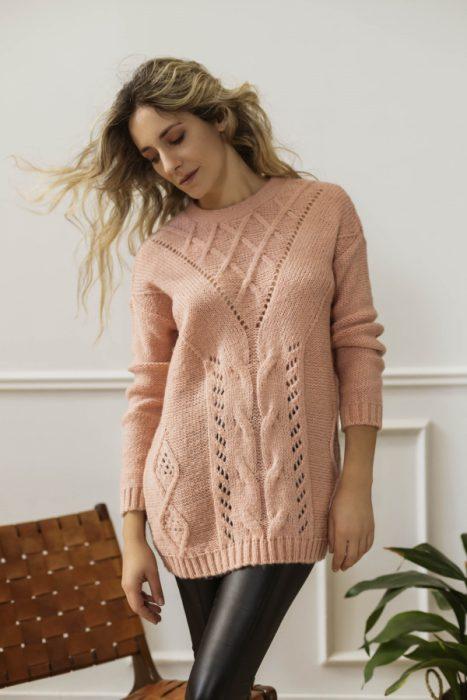 sweater largo tejido Eva Miller invierno 2021
