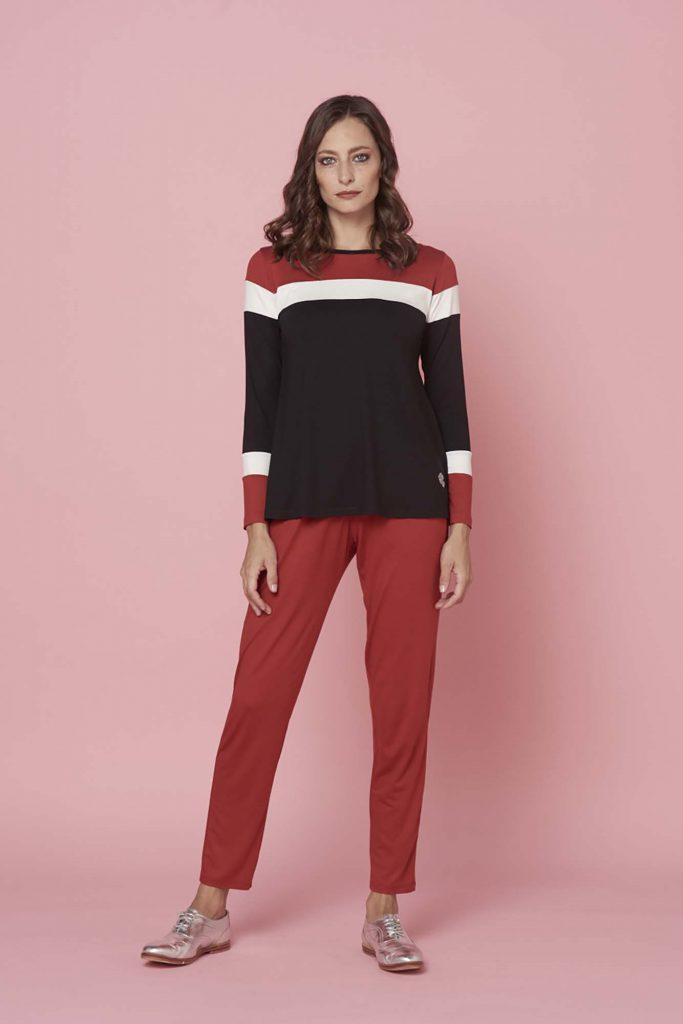 look informal con pantalon rojo senoras invierno 2021 Adriana Costantini