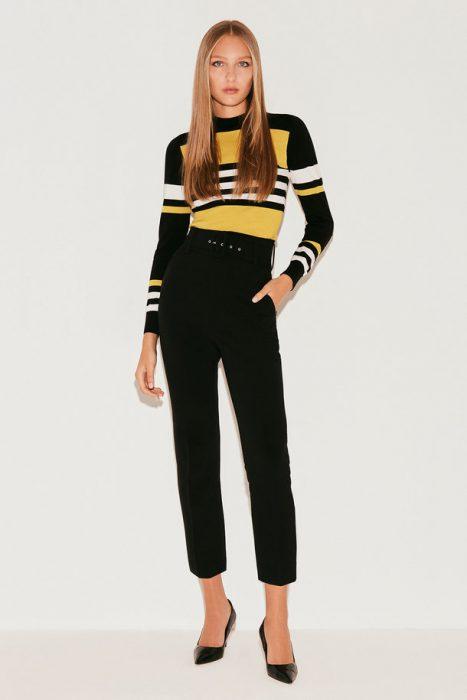 sweater a raya y pantalon negro markova invierno 2021