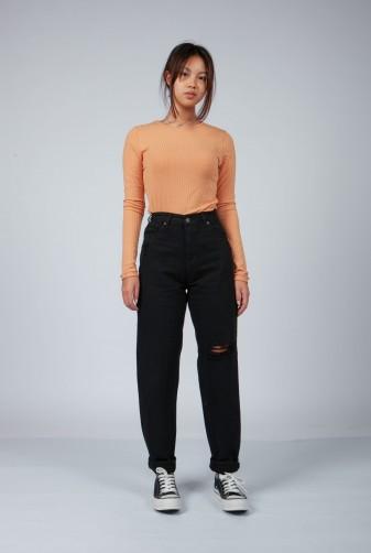 remera morley con pantalon negro invierno 2021 Vov Jeans