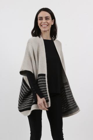 saco gris y negro invierno 2021 Arauz Sweater