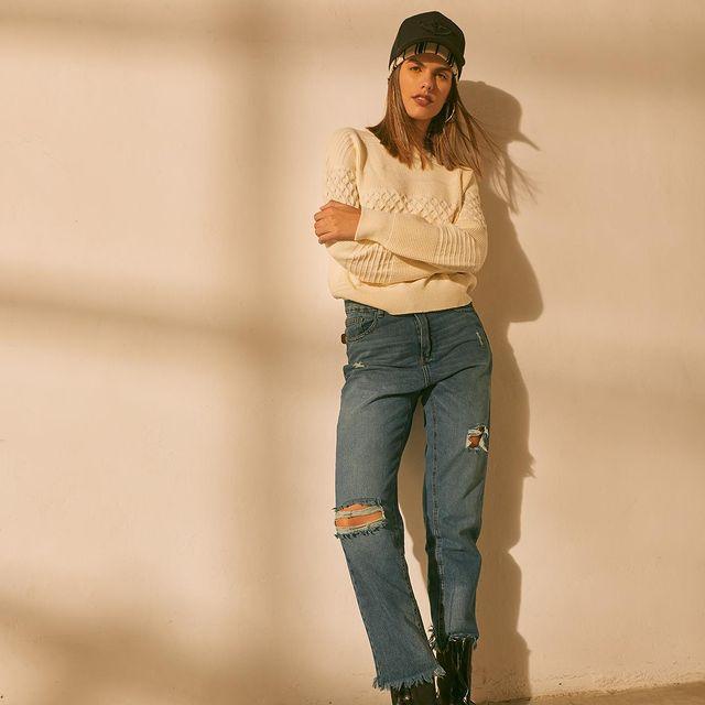 mom y sweater AF jeans coleccion invierno 2021