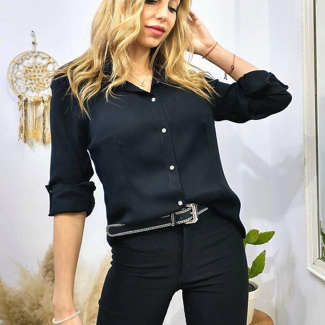 camisa negra y jeans verano 2022 ORIX