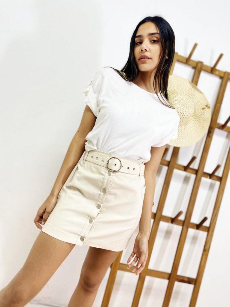 minifalda simil cuero blanca mujer verano 2022 Tramps