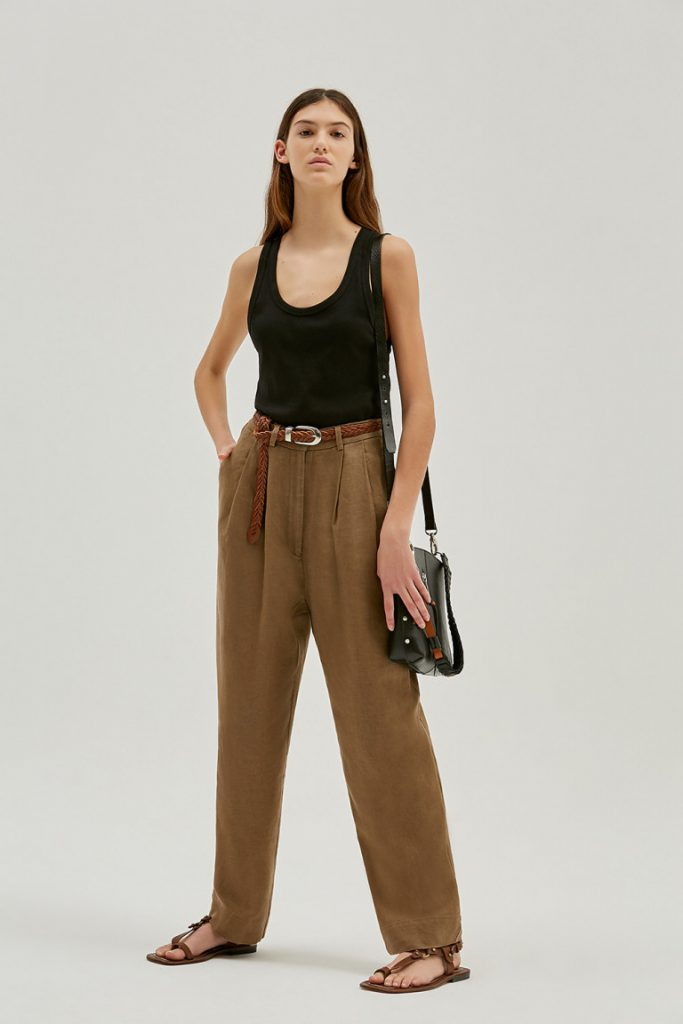 pantalon vestir y musculosa basica verano 2022 by Maria Cher