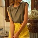 Outfits informales para mujer verano 2022 - Nucleo Moda